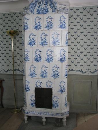 linnaeus-garden-in-uppsala-tiled-stove-copy