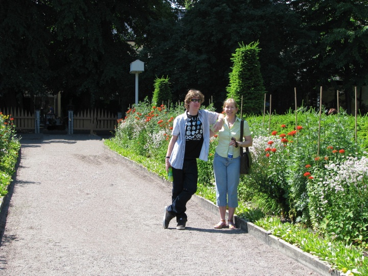 linnaeus-garden-path-in-uppsala